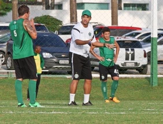 Marquinhos Santos comanda treino do Coritiba