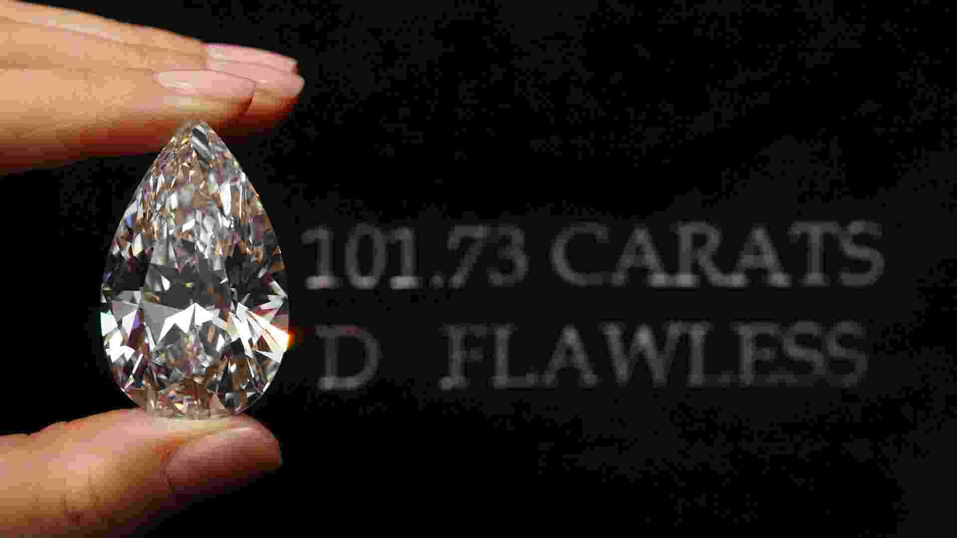O diamante original tinha 236 quilates e foi extraído de uma mina na Botsuana. Foram necessários 21 meses para a pedra ser esculpida, segundo a Christie?s. O resultado final, um diamante perfeito com 101,73 quilates, pode ser vendido por US$ 30 milhões (cerca de R$ 60 milhões) em um leilão da Christie?s em Genebra, na Suíça, em 15 de maio - Denis Balibouse/Reuters