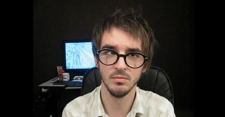 PC Siqueira ficou famoso depois que foi contratado pela rede de TV MTV. O canal dele no Youtube chama Maspoxavida e reúne vídeos dele falando sobre assuntos da atualidade, temas polêmicos - tudo do jeito único do humorista