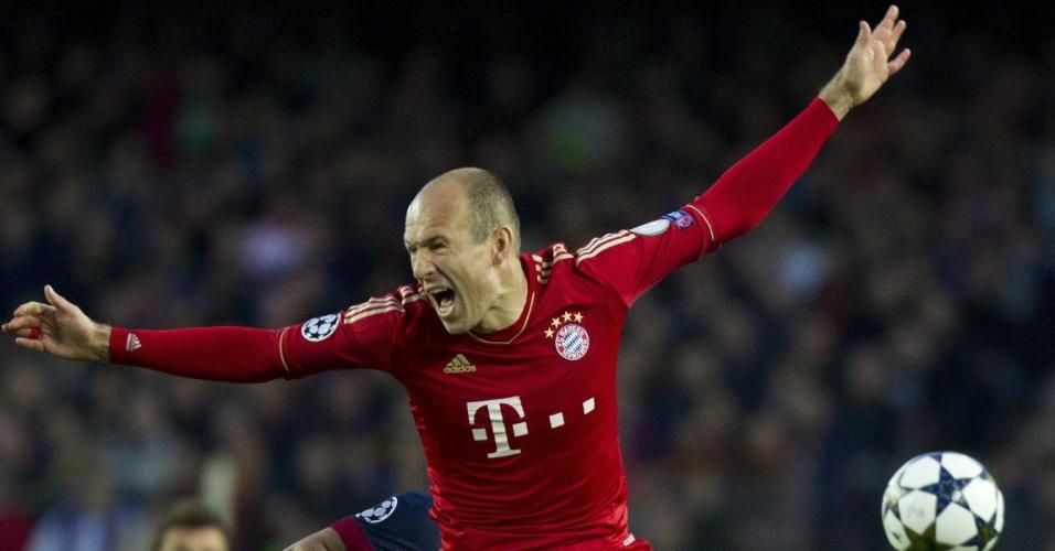 01.mai.2013 - Meia do Bayern de Munique, Arjen Robben reage após dividida de bola na segunda partida semifinal da Liga dos Campeões contra o Barcelona