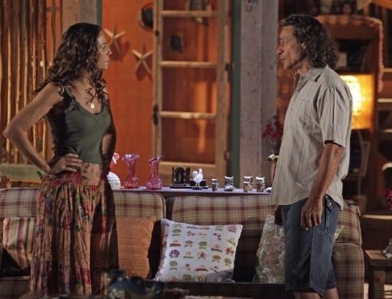 """1.mai.2013 - Em """"Flor do Caribe"""", Donato conta a Bibiana que assumiu crime para livrar Hélio da prisão"""