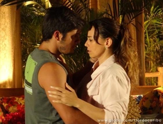 """2.mai.2013 - Em """"Flor do Caribe"""", Natália termina namoro com Juliano por causa de Mila"""