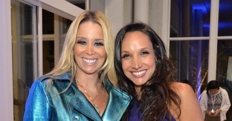 """30.abr.2013 - Danielle Winits e Maria Maya na coletiva de lançamento da novela """"Amor à Vida"""" no Projac, no Rio de Janeiro"""