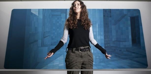 29.ago.2012 - Retrato da artista plástica Adriana Varejão na montagem de sua exposição no MAM, em São Paulo - Lucas Lima/Folhapress