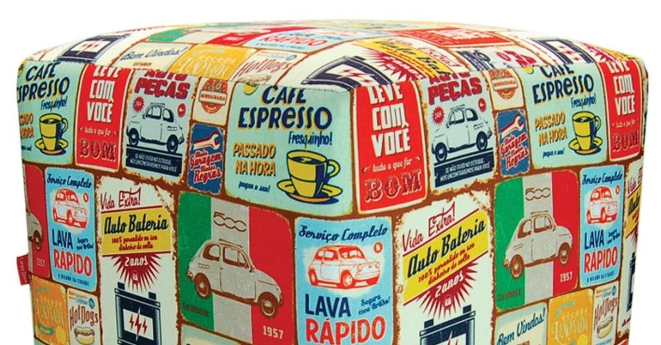 Da marca Carpe Diem (www.carpediembrasil.com.br), o pufe Quinhentos, de tecido sarja, mede 35 cm por 35 cm por 45 cm. O preço da peça sugerido é de R$ 220 I Preços pesquisados em abril de 2013 e sujeitos a alterações