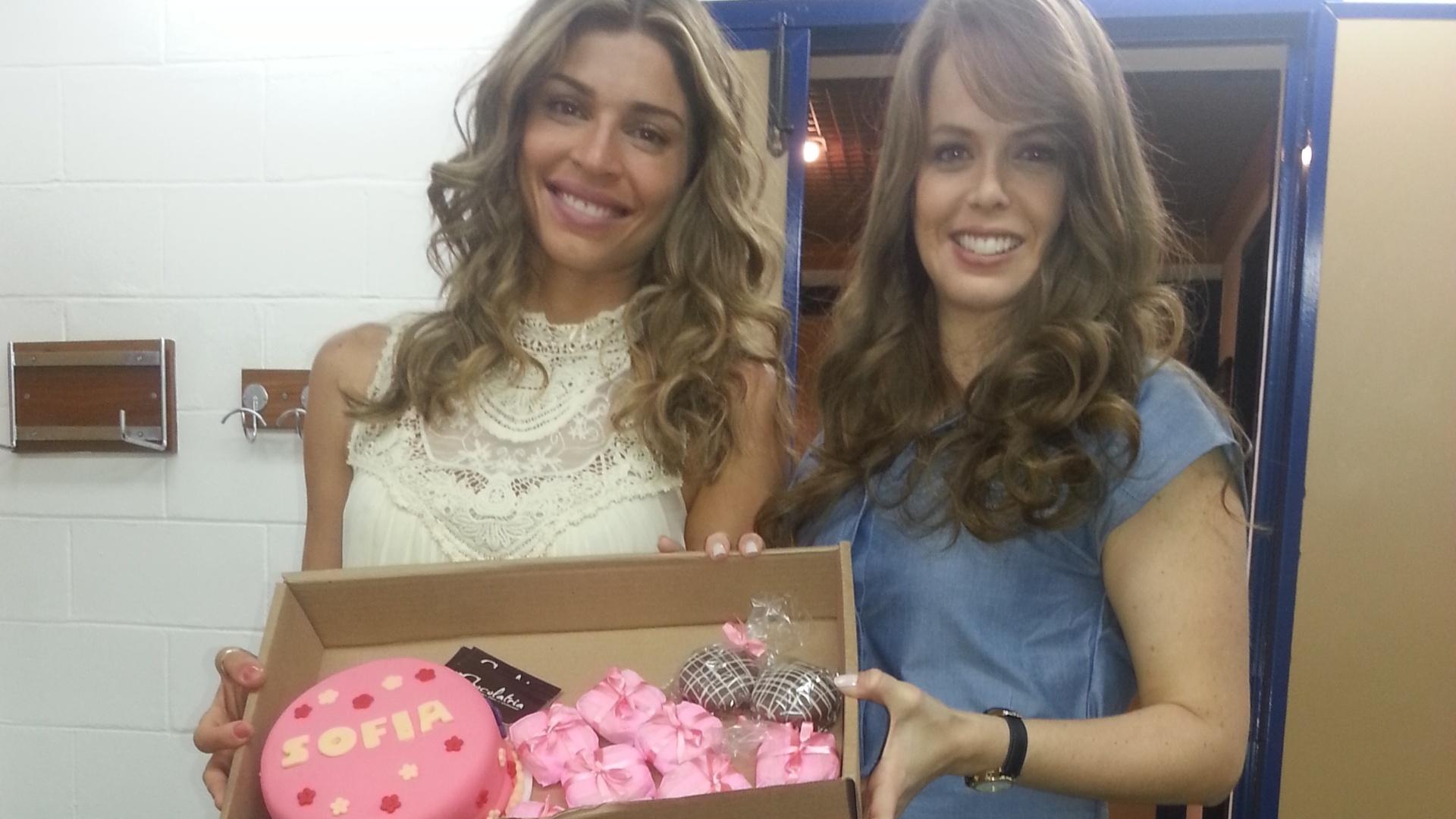 Grazi Massafera organiza todos os detalhes da festa de um ano da filha Sofia
