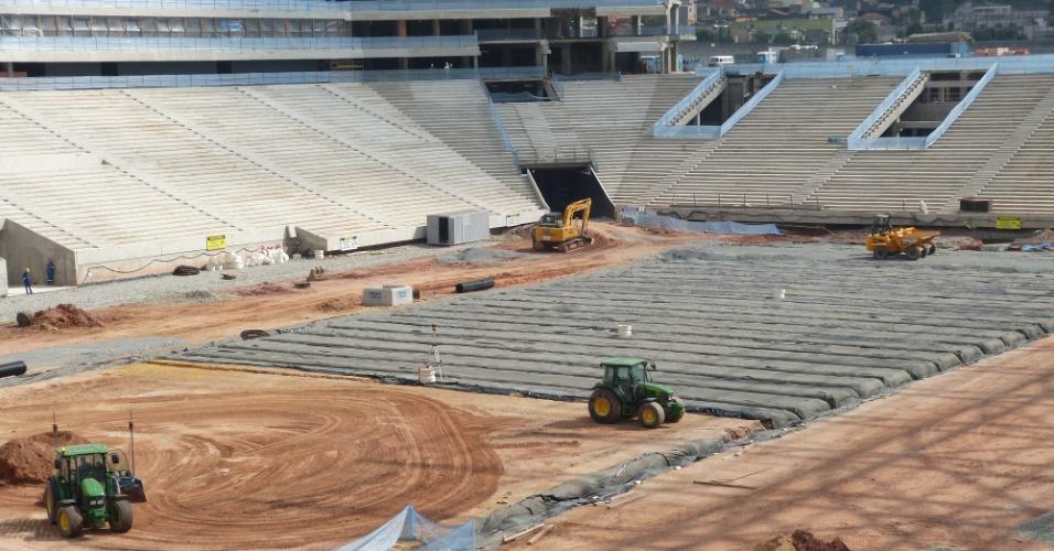 02.05.2013 - Itaquerão chega a 3/4 das obras concluídas