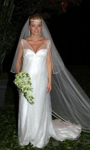 outubro.2004 - Apresentadora Angélica se casa com Luciano Huck
