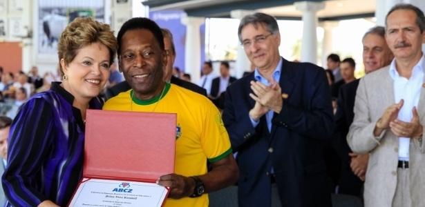 Pelé considera injusta a seleção brasileira ser alvo de críticas de manifestantes