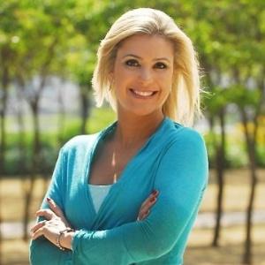 A jornalista Flávia Freire