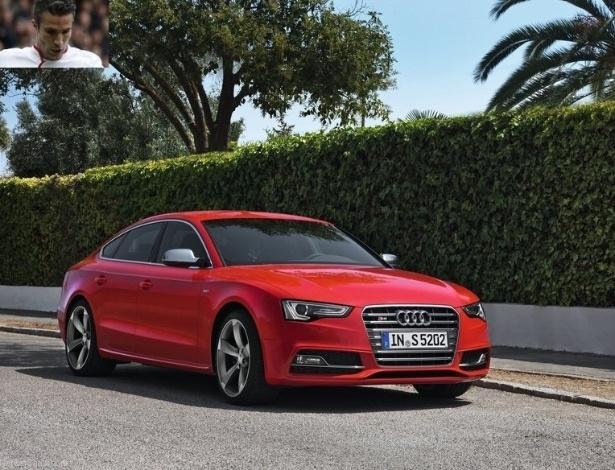 Robin van Persie, o holandês do Manchester United, possui um Audi S5 Sportback de cerca de R$ 450 mil