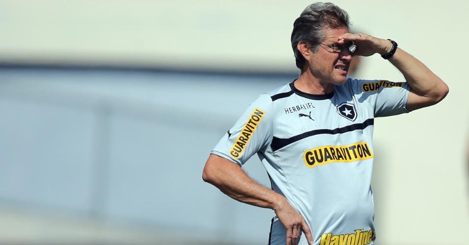 Técnico Oswaldo de Oliviera comanda último treino do Botafogo antes da final da Taça Rio