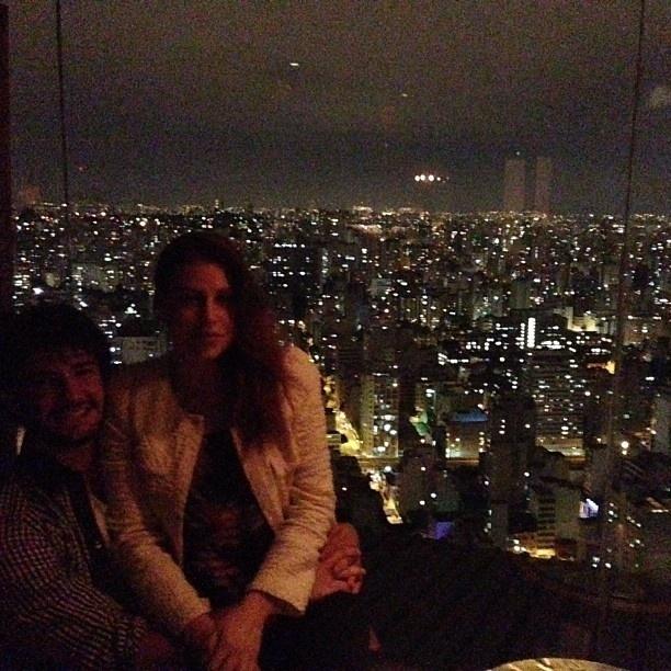 5.mai.2013 - Alexandre Pato publica foto com a namorada em São Paulo