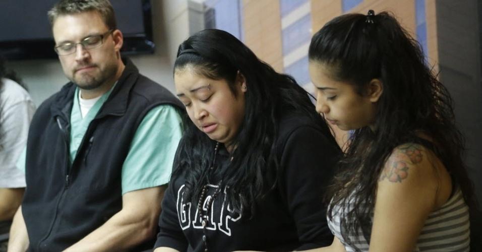 Johana e Ana Portillo, filhas do árbitro Ricardo Portillo lamentam morte do pai; ele foi agredido no último dia 27 por um jovem jogador de 17 anos após aplicar um cartão amarelo, em Utah, nos EUA