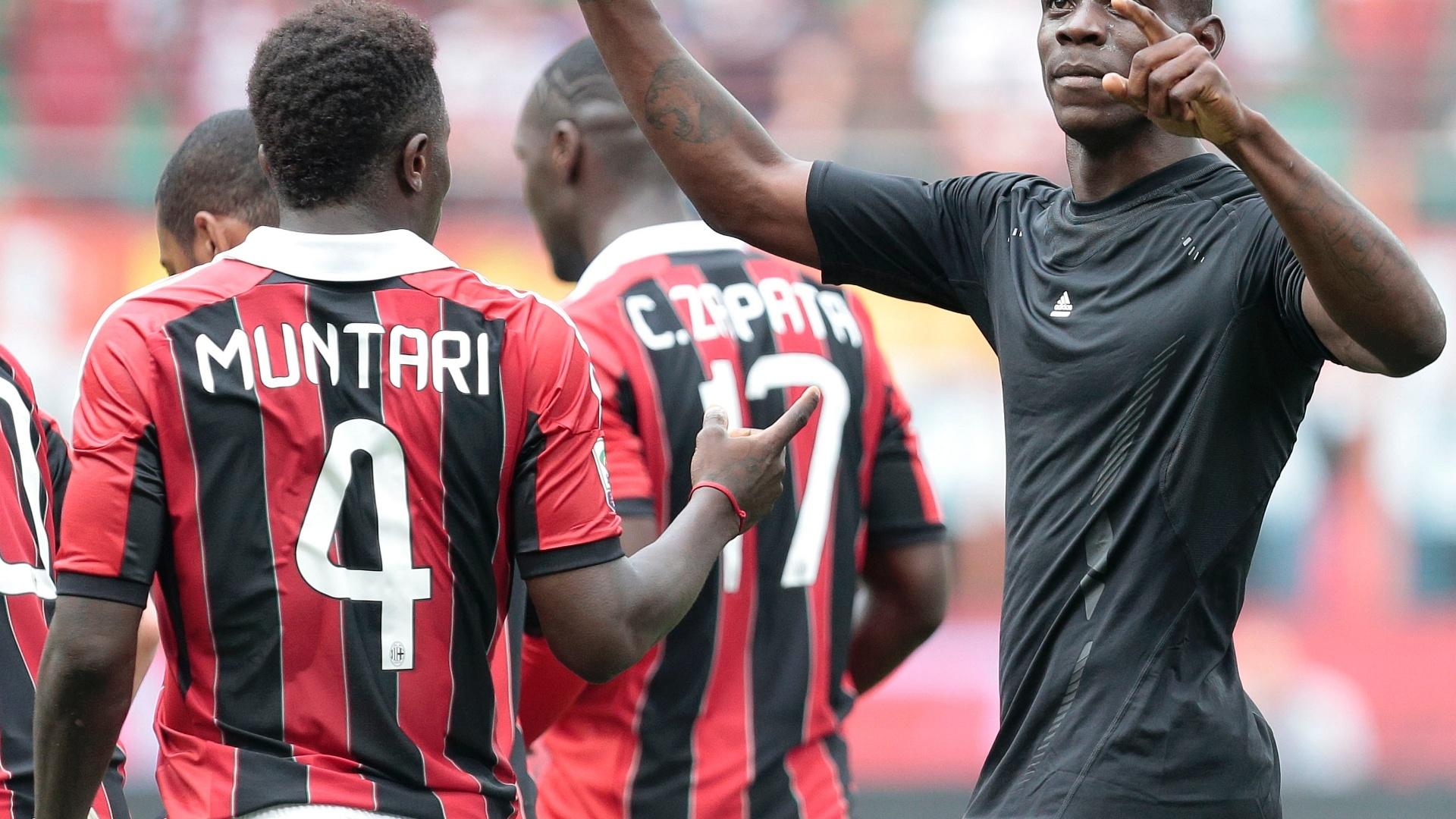 06.mai.2013 - Muntari e Balotelli comemoram gol do Milan sobre o Torino pelo Campeonato Italiano