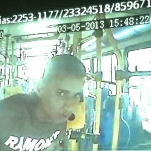 Mulher de 30 anos foi estuprada durante seis minutos em ônibus no Rio