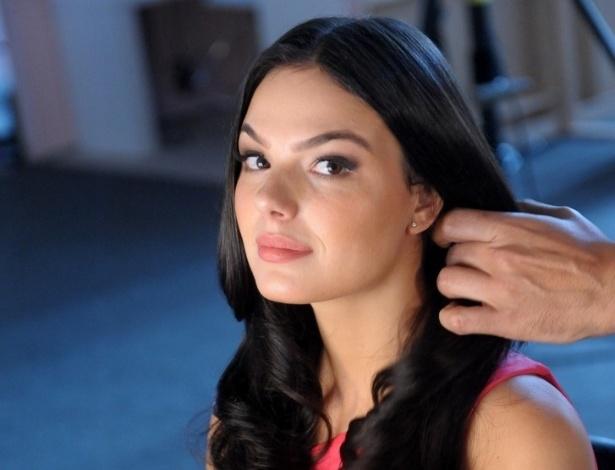 6.mai.2013 - Isis Valverde gravou comercial para uma marca de cosméticos em São Paulo