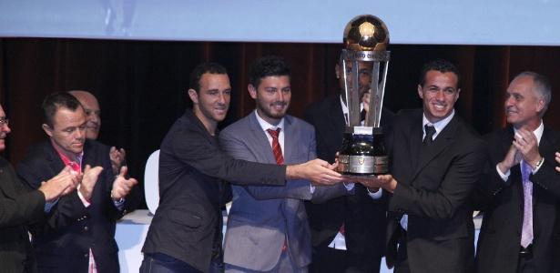 Dos jogadores do Inter eleitos para seleção, só Damião esteve presente ao evento
