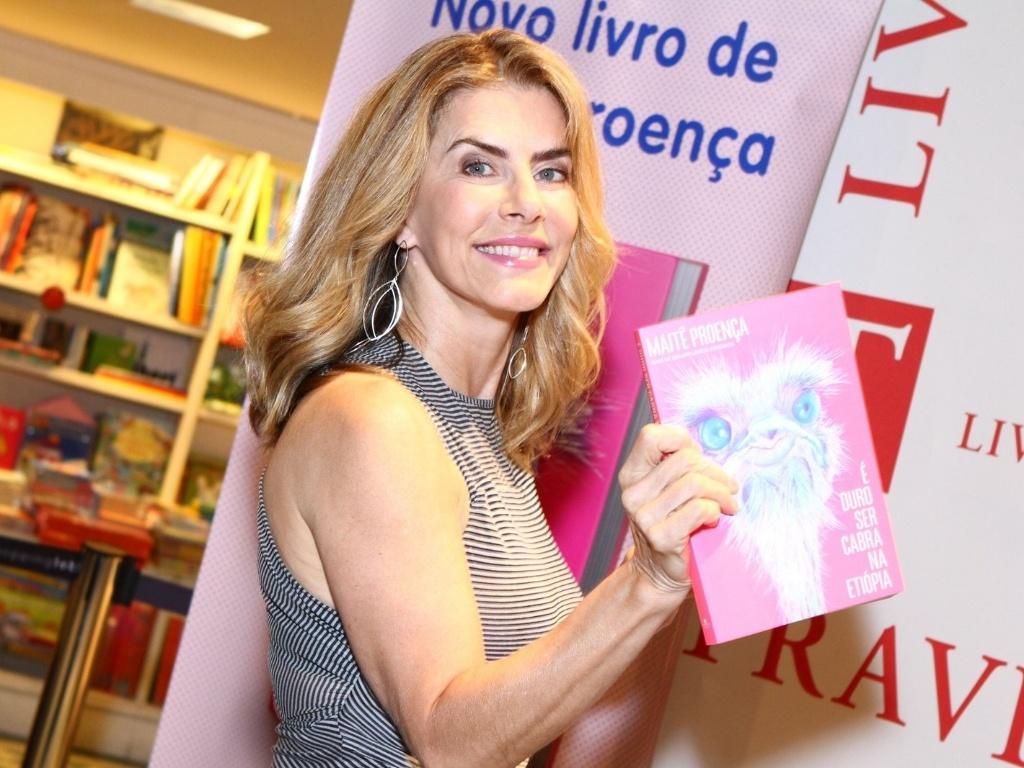 7.mai.2013 - Maitê Proença lança o livro