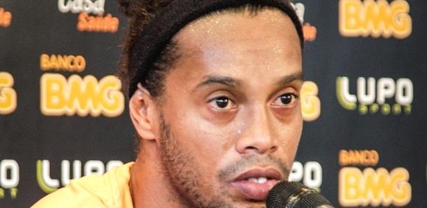 Ronaldinho Gaúcho, do Atlético-MG, concede entrevista na Cidade do Galo (7/5/2013)