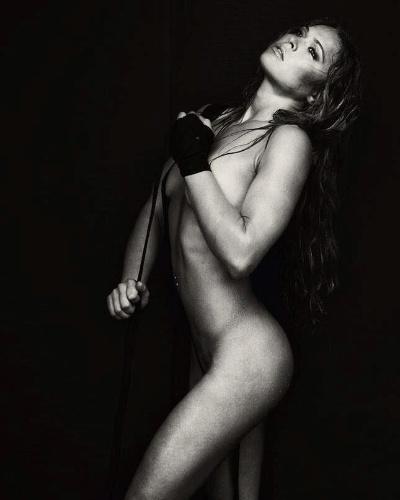 Ronda Rousey posa sexy para ensaio da revista Maxim