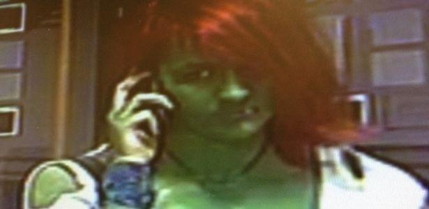 """8.mai.2013 - """"Mulher-hulk"""" é procurada suspeita de agredir uma adolescente na cidade de York, no Reino Unido"""