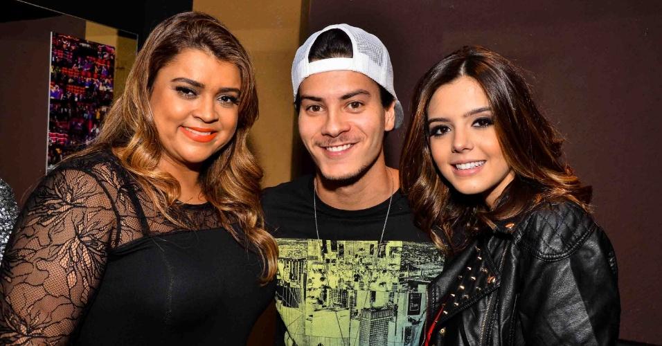 8.mai.2013 - Preta Gil, Giovanna Lancellotti e Arthur Aguiar em show da dupla sertaneja César Menotti e Fabiano em casa noturna de São Paulo