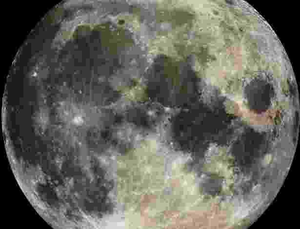 9.mai.2013 - Nova pesquisa publicada na Science indica que a água presente na Lua veio do impacto de um meteorito com a Terra, há 4,5 bilhões de anos. Ao analisar o hidrogênio de magma vulcânico encontrado no satélite, Alberto Saal e seus colegas descobriram que os isótopos são iguais aos encontrados na Terra, em condritos carbonáceos dos meteoritos mais antigos já registrados. Isto indica que o hidrogênio teria saído do nosso planeta, que ao ser chocado por um meteorito formou a Lua. O meteorito teria trazido a água para o Sistema Solar - Nasa/JPL