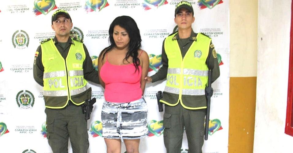 Fugitivo põe implante de silicone e vira travesti para escapar da polícia na Colômbia