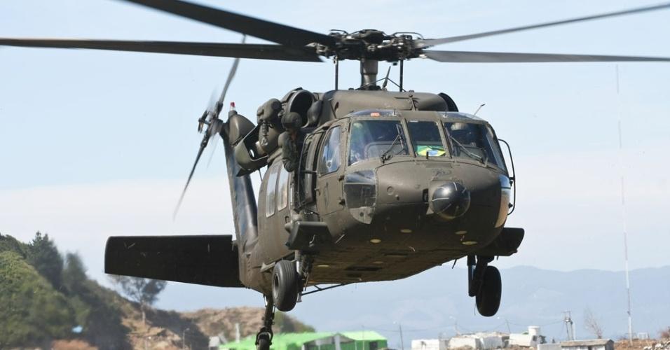 O helicóptero Black Hawk terá a mesma função dos caças Super Tucano, a de abordar aeronaves indesejadas de baixa velocidade