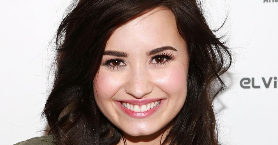 10.abr.2013 - Demi Lovato chega ao Elvis Duran Z100 Morning Show