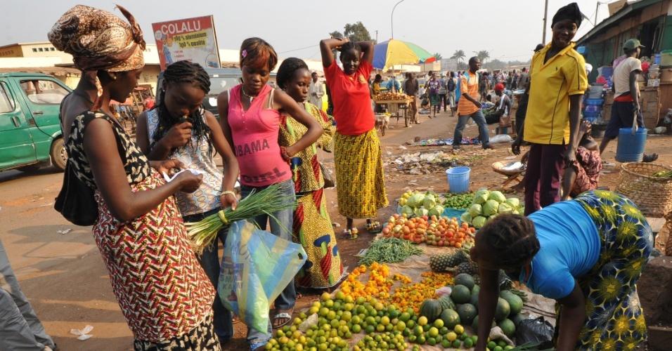 10.mai.2013 - 171º lugar - República Centro-africana Risco de morte materna (1 no número indicado): 26 Taxa de mortalidade entre menores de 5 anos (a cada 1.000 nascidos vivos): 163,5 Expectativa de número de anos na escola: 7,2 PIB per capita nominal (US$): 480 Participação das mulheres no governo nacional (% assentos): 12,5
