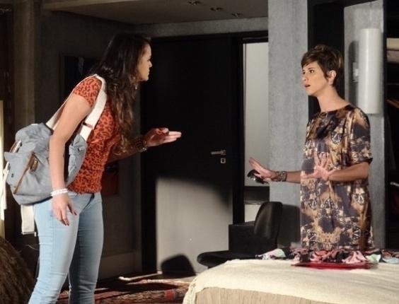 """10.mai.2013 - Em """"Salve Jorge"""", Lurdinha vai atrás de Aisha e as duas discutem"""