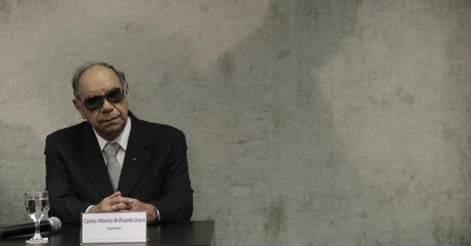 10.mai.2013 - O coronel reformado e ex-comandante do DOI-CODI em São Paulo Carlos Alberto Brilhante Ustra presta depoimento à Comissão da Verdade, em Brasília