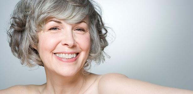 Cuidados específicos ajudam a amenizar os sintomas do processo natural de envelhecimento da pele - Thinkstock