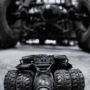 Team Galag Batman Tumbler - Sam Moores/Divulgação