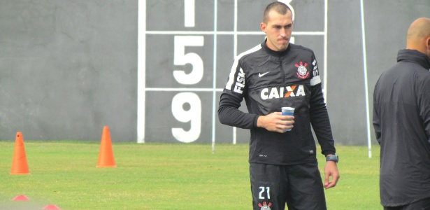 Walter chegou ao Corinthians como aposta, em maio de 2013, e se firmou no grupo