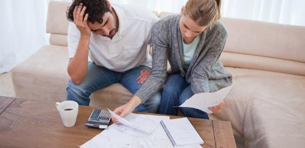 Apenas 9% dos homens escondem as notas fiscais de suas aquisições das companheiras - Thinkstock