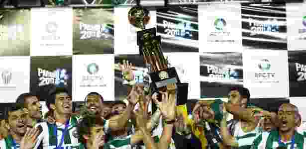 Jogadores do Coritiba comemoram o tetracampeonato estadual  - Heuler Andrey/AGIF