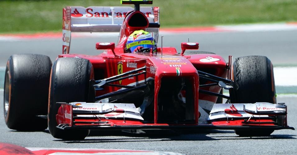12.mai.2013 - Felipe Massa acelera sua Ferrari pelo circuito de Montmelò durante o GP da Espanha