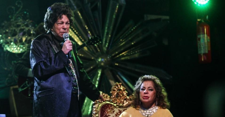 13.mai.2013 - Cauby Peixoto em evento de homenagem aos 84 anos da cantora Ângela Maria no Clube Piratininga, em São Paulo