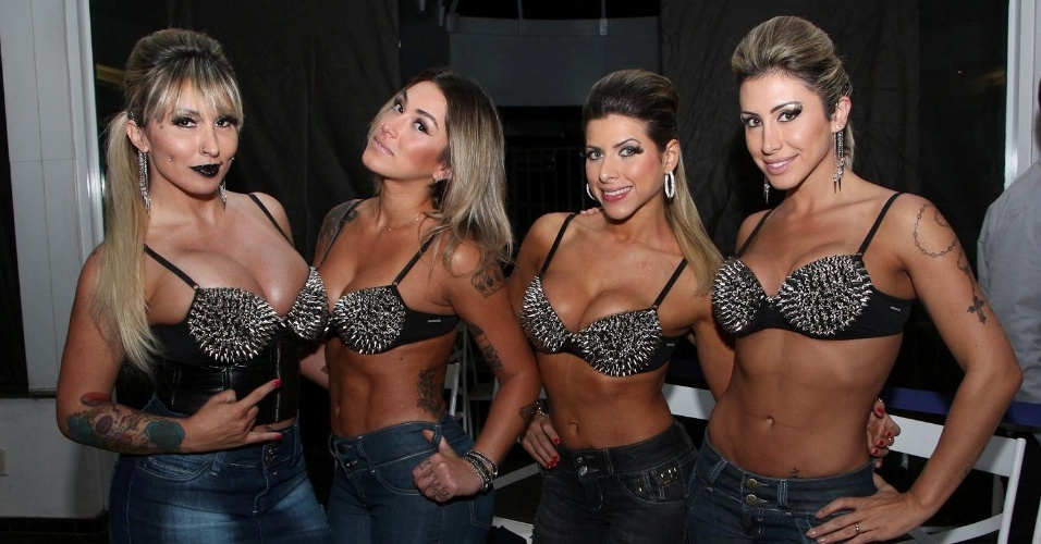 "13.mai.2013 - Sabrina Boing Boing, Dani Bolina, Ana Paula Minerato e Jaque Khury vão ao ""Fashion Week Guarulhos"" em hotel de São Paulo"