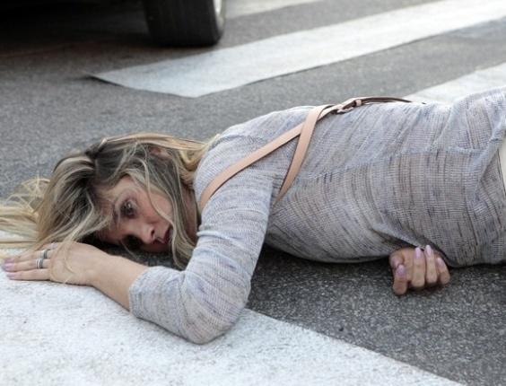 """Em """"Salve Jorge"""", Érica é atropelada por Haroldo e perde o bebê"""