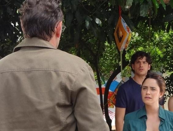 """15.mai.2013 - Em """"Sangue Bom"""", Wilson se desculpa com Malu, mas é expulso por Bento"""
