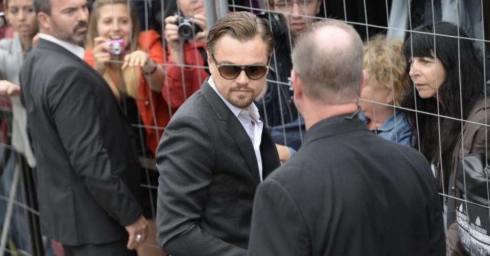 15.mai.2013 - Leonardo DiCaprio chega ao Festival de Cannes para a sessão de fotos que promove
