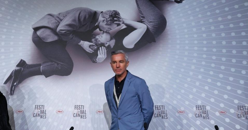 15.mai.2013 - O diretor Baz Luhrmann chega à entrevista coletiva sobre o filme