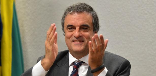 O ministro da Justiça, José Eduardo Cardozo, fala sobre a possibilidade de ser candidato ao governo de SP - Wilson Dias/Agência Brasil