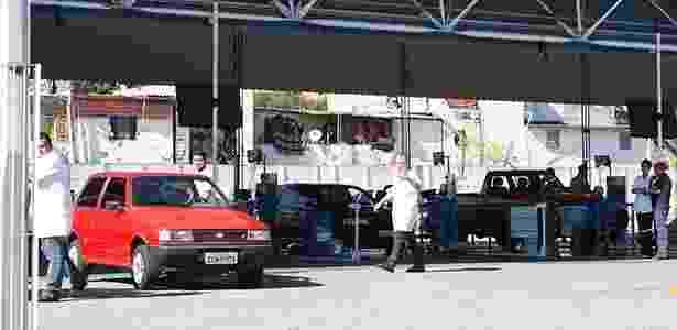 A partir de 2014, apenas veículos com dez anos ou mais de uso terão de passar pela inspeção anual - Mario Angelo/Sigmapress