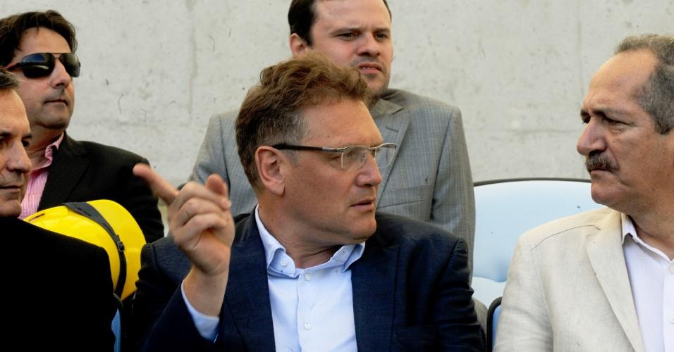 Jérôme Valcke, secretário-geral da Fifa, conversa com o Ministro do Esporte, Aldo Rebelo