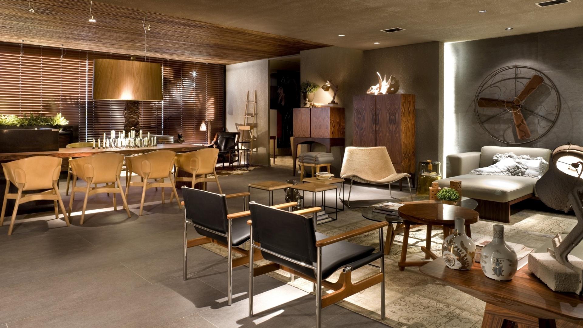 Para o projeto da Varanda Gourmet, com 80 m², os arquitetos Bruno Veras e Juliano Costa escolheram cores sóbrias para decoração. A 17ª Casa Cor Goiás, que abre as edições do ano da franquia no país, segue até dia 25 de junho de 2013, no Setor Marista, em Goiânia